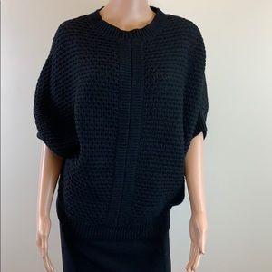 Adorable black Reiss short sleeve knit sweater XS